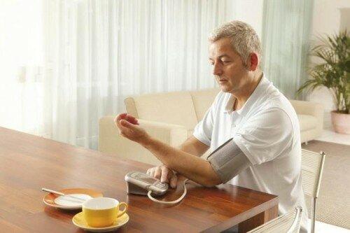 проверка артериального давления