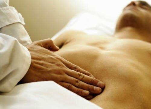 диагностика болезненности справа в грудине