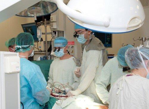 оперативное вмешательство для удаления кисты перикарда